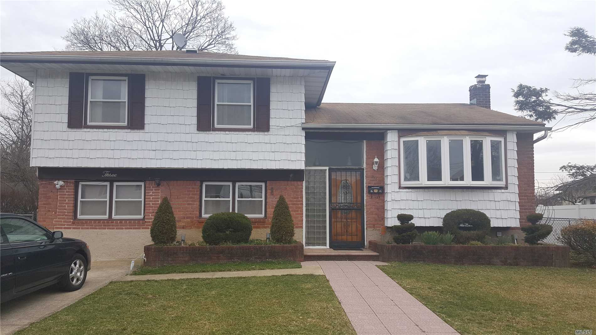 Mother Daughter Style. Nice spacious backyard for entertaining. Upgraded bath and kitchen. Lots of storage space. New HVAC system for heating and cooling.