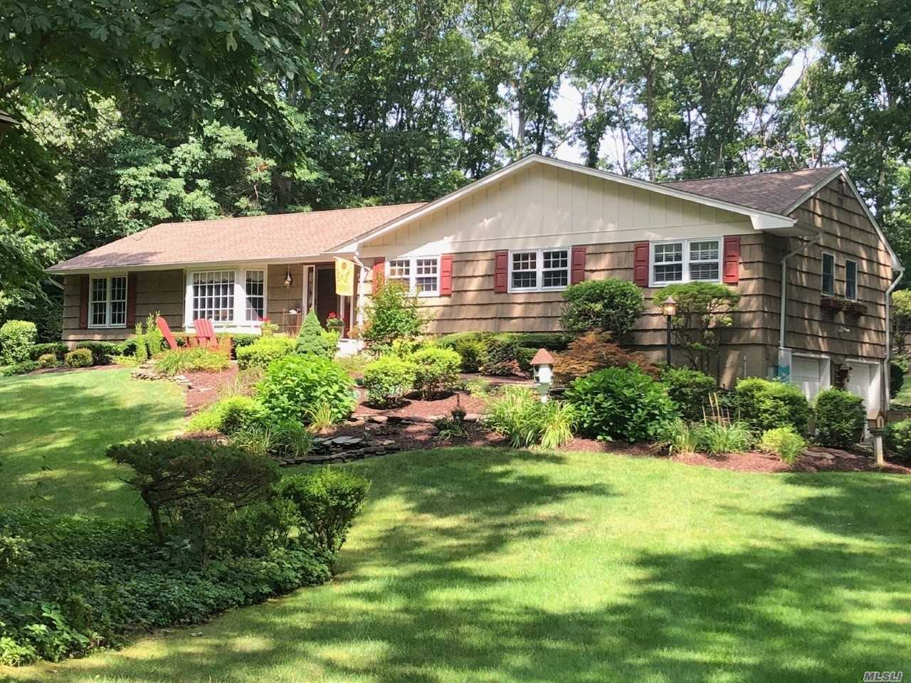 Beautiful 4 Bdrm, 2.5 Bath Ranch on private acre in Desirable Northport. Entry Hall, Formal LR, DR, EIK with Granite Countertops, SS Appliances, Den w/Fireplace & Skylights, W/D on Main floor, Master BR w/En Suite & WIC. Sliders out to brick patio Wood Floors Throughout. IGP w/New Liner & Pump.