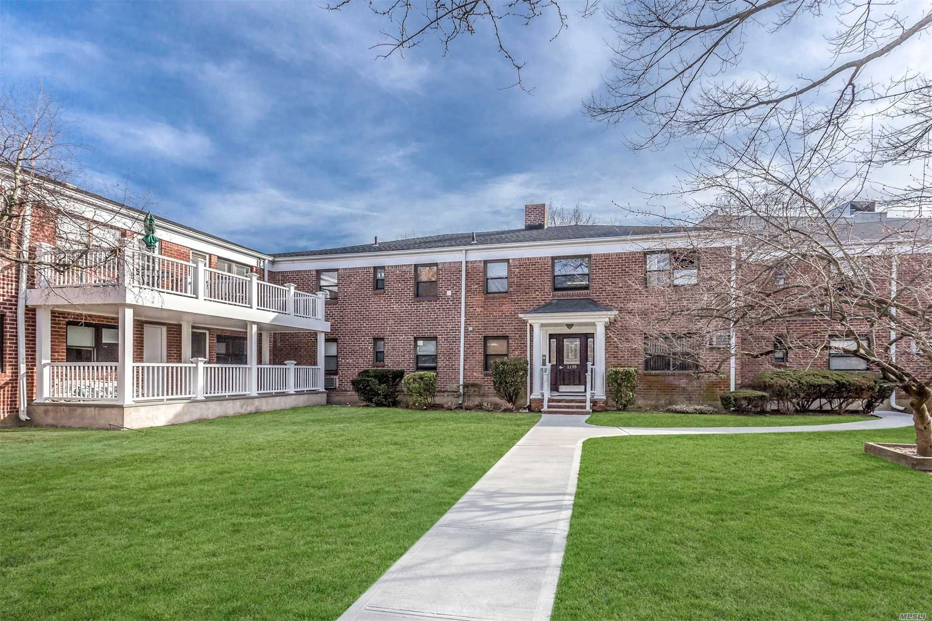 Garden town, hardwood floors, bright 2nd floor apartment with king bedroom, closets open floor plan-laundry in complex, amazing gardens. Taxes with star $647.62