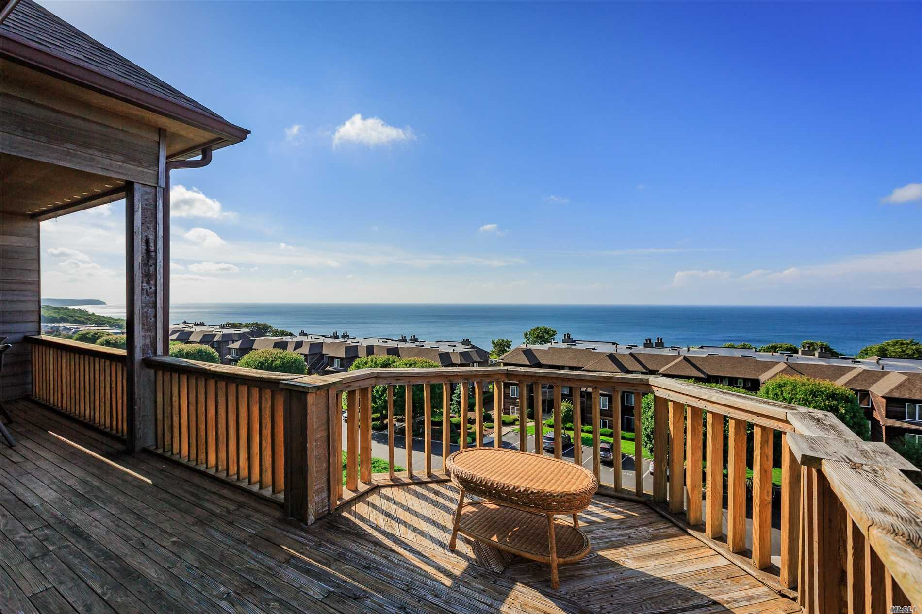 Top floor light and bright end-unit at the bluffs in Baiting Hollow! Rarely available! Enjoy views of the Long Island sound and take in the sunsets as you relax and unwind. Beach access right across the parking lot. You cannot get a view like this for this price anywhere else. Private golf course next door with reasonable rates. Start your North Fork lifestyle right here!