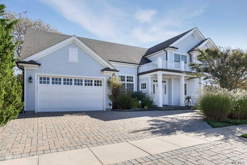This Is The Summer Rental You've Been Waiting For! Enjoy This Sophisticated Beach Chic Home On Prime Beach Block. Immaculate, Sun-Drenched, 3100+ Sq Ft Home W Open Floor Plan. 4 Bed, 4 Full Baths. First Floor Features Great Room, Open Kitchen W Viking Range, Sunroom W Bench Seating, Private Office And Full Bath. First Floor Mbr Suite W Dual Vanities, Soaking Tub And Steam Shower. Second Floor Features 1 Bed W Ensuite Bath, 2 Bedrooms W Shared Bath, Entertainment Loft/Kids Lounge.
