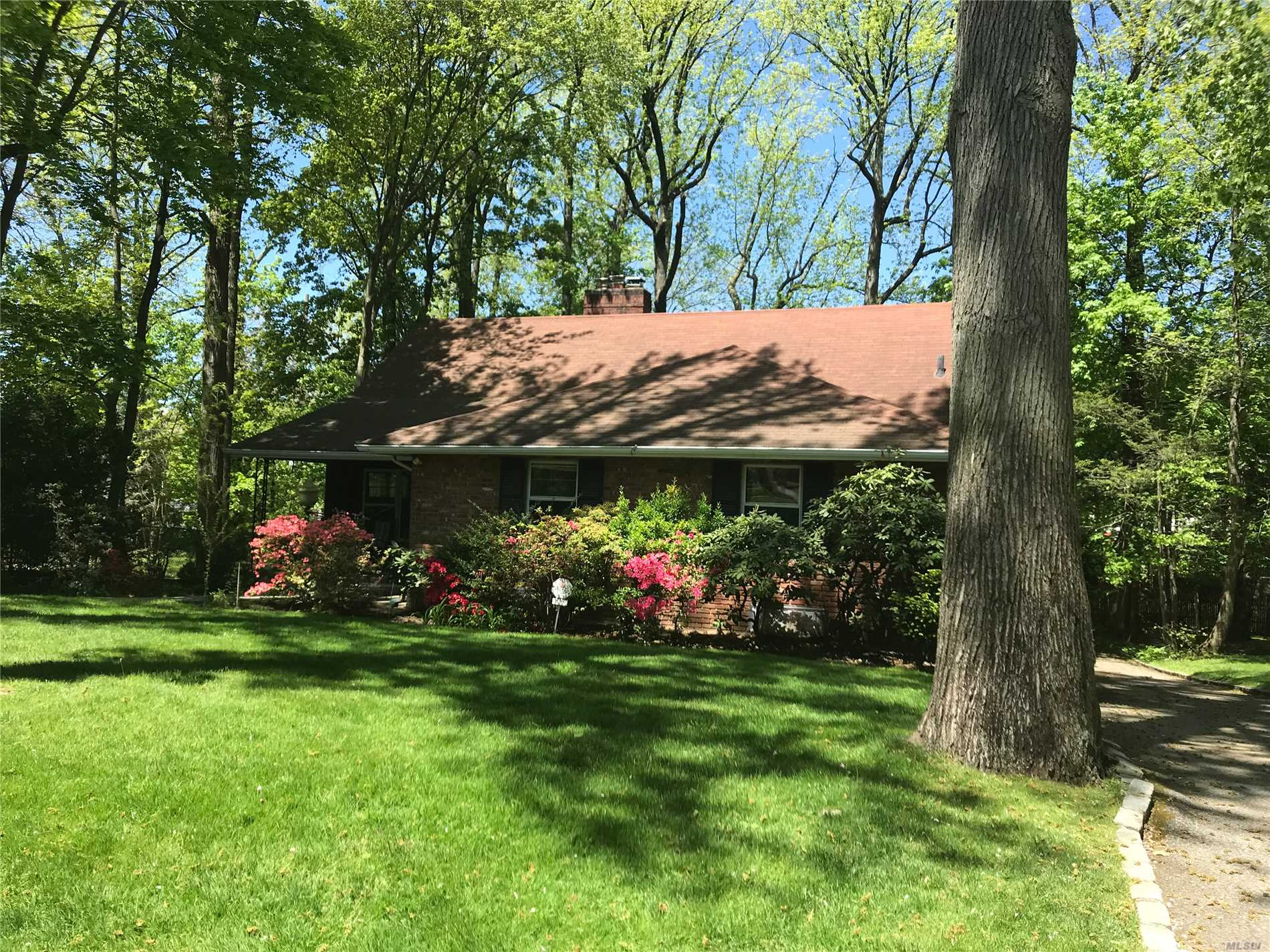 Wonderful Family Home in Thomaston. 4 Blocks to LIRR, Shops and Town. Room for Expansion. Updated Oil Burner and CAC. Fireplace in LR and Kitchen. Underground Sprinklers in the Front. Large Deck off Kitchen. Huge Finished Basement.