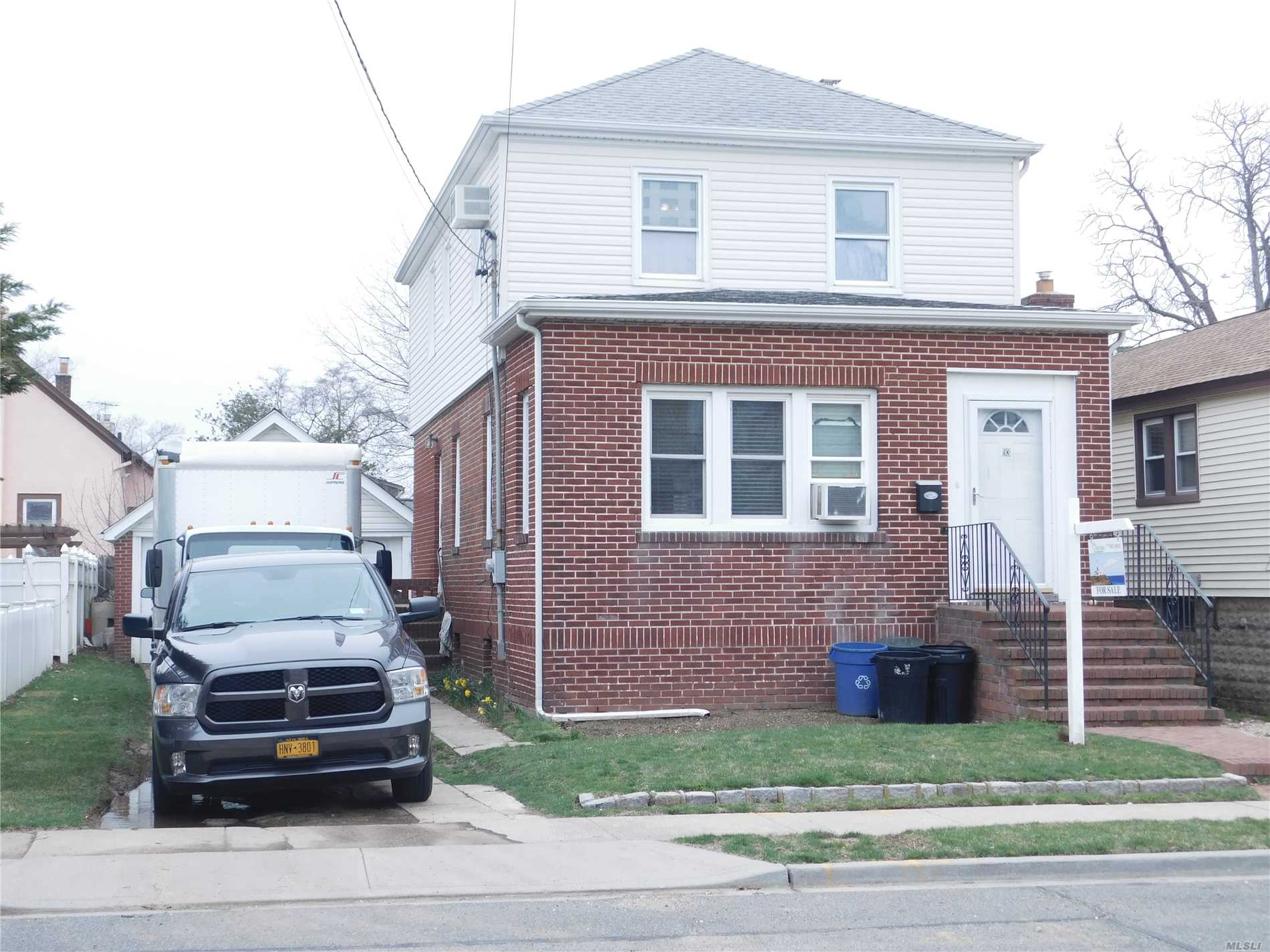 New Granite Eik w/SS appliances, large rooms, Brick & Vinyl Home, Two car garage. Just reduced $20, 000 for quick sale!