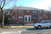 nice 1br upper unit in Clearview Gardens.