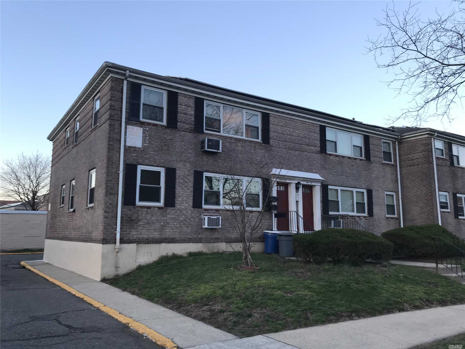 Sale may be subject to term & conditions of an offering plan. southern exposure, sunny bright corner unit on 1st floor, large living room dining area, updated kitchen with granite counter top, 1 full bath, 2 decent size beds, 1 block to Main St. walk to Queens College, local and express buses(QM4/44, Q64 to E/F/M/R trains, Q40/Q20A/Q18, onvenient to Downtown Flushing, Q44, QM4-express bus to Manhattan), near shops, NO FLIP TAX! laundry room available on premises, resident parking available, garage via wai