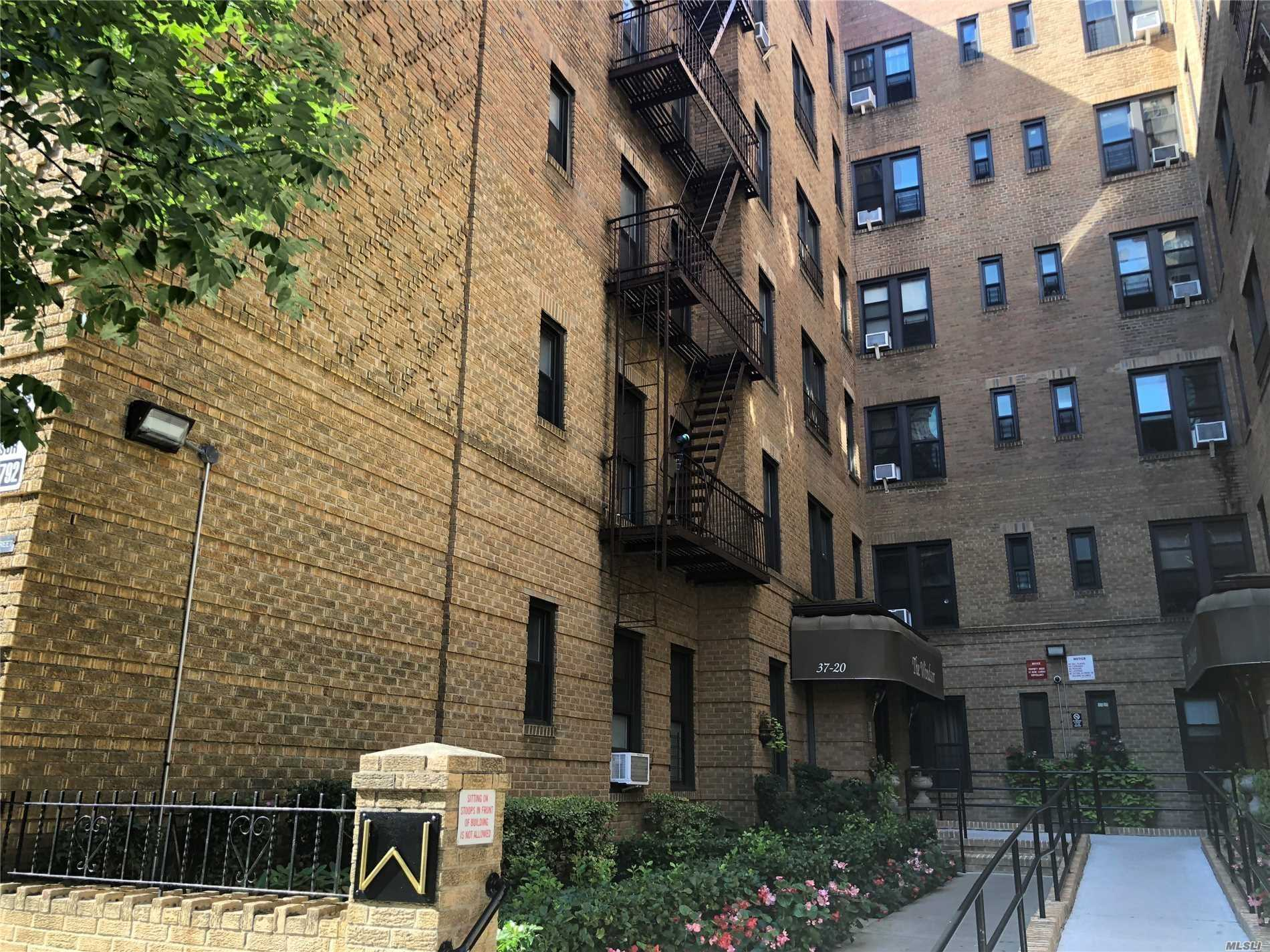 Beautiful 1 Bedroom Co-Op Apartment In Jackson Heights. Beautiful Renovated Kitchen With Granite Countertop And Stainless Steel Appliances. Hardwood Floor Throughout, Close To Train Station, Restaurants And Shopping. Low Maintenance Fee. Immediate Subletting Allowed with board approval.