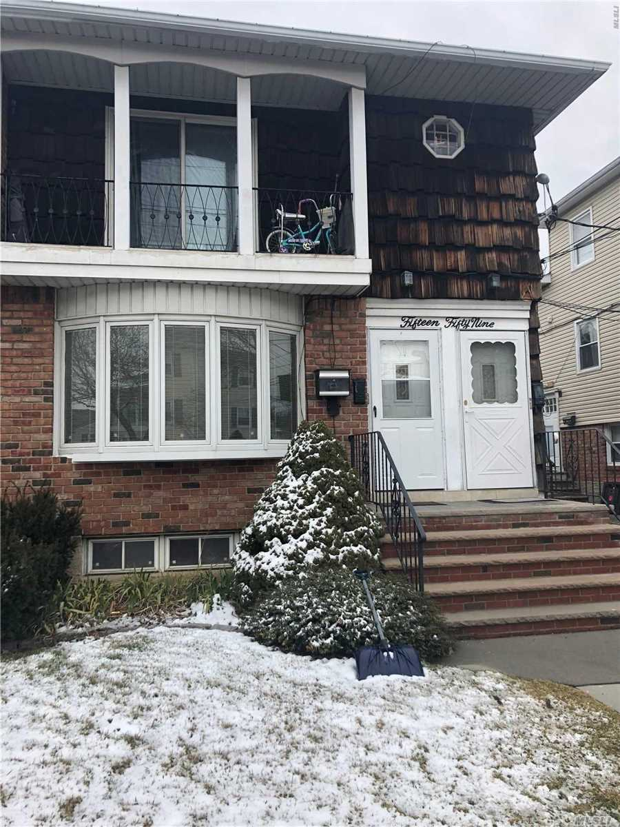 Beautiful 1st Floor Apartment In Bayside Features 3 Brs, 1.5 Bathrooms, Living Room, Dining Room, & Eik. Hardwood Floors. Throughout. Cac. Shared Use Of Large Backyard And Washer/Dryer In Basement. Great Location Close To Shopping And Transportation!
