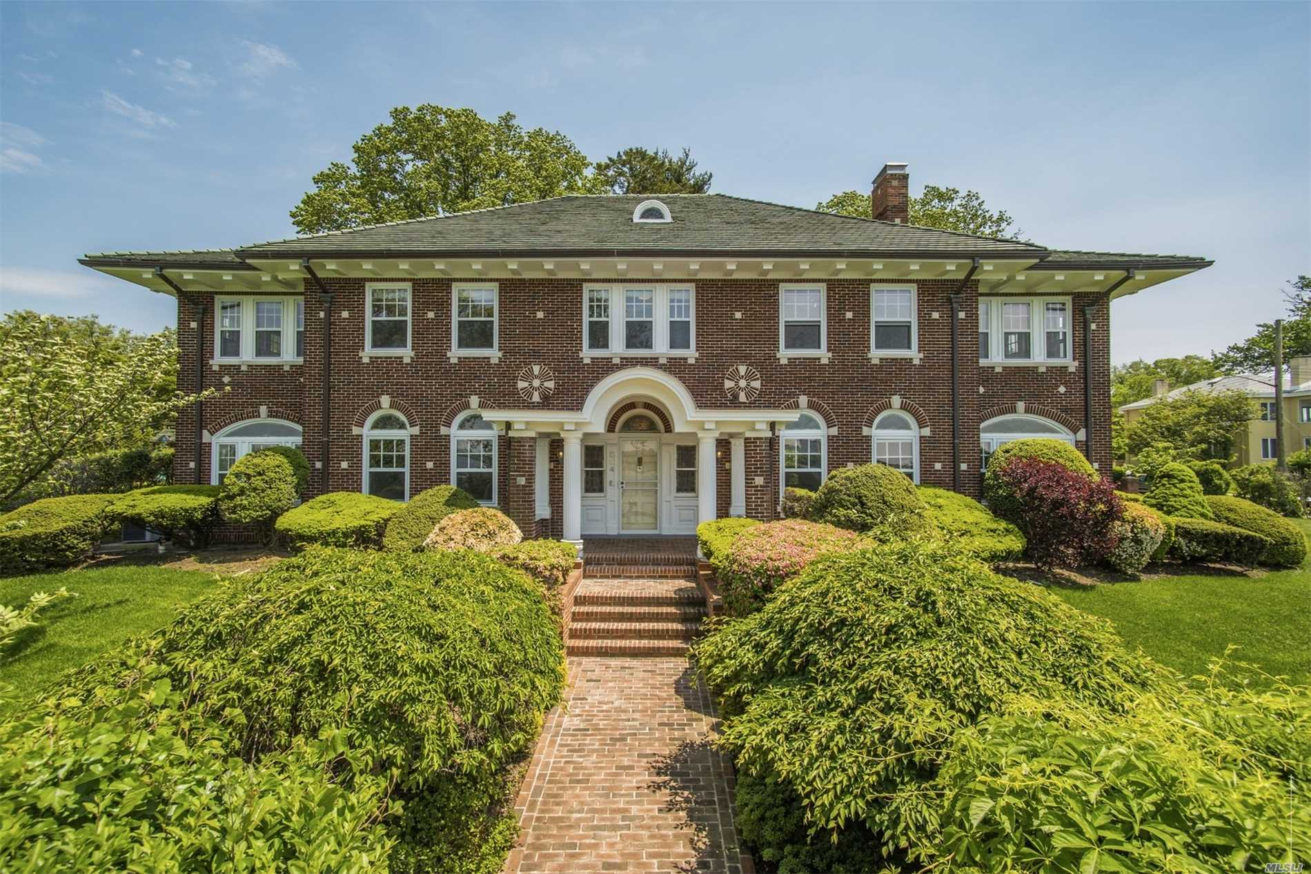This waterfront estate in Douglas Manor evokes a sense of grandeur. Perfect for entertainment and raising a family. Panoramic water views of the Bay with walking steps of a dock for swimming or taking off on a sailboat. Excellent instructions for learning to sail for youngsters. One of a kind neighborhood in Queens planned in the early 1900's to give a a feeling of country living and all 28 min. to NYC.