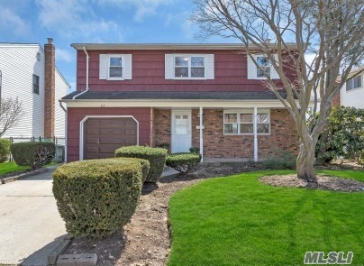 Beautiful 2000 Square Foot Colonial In Mineola, Mineola School District. Offering 4 Generous Bedrooms, 2.5 Bathrooms, Full Basement, Mineola Village And Pool Club, Convenient To LIRR, Highways, Shopping, NYU/Winthrop Hospital, County Court. LOCATION. LOCATION, LOCATION! Would Not Last