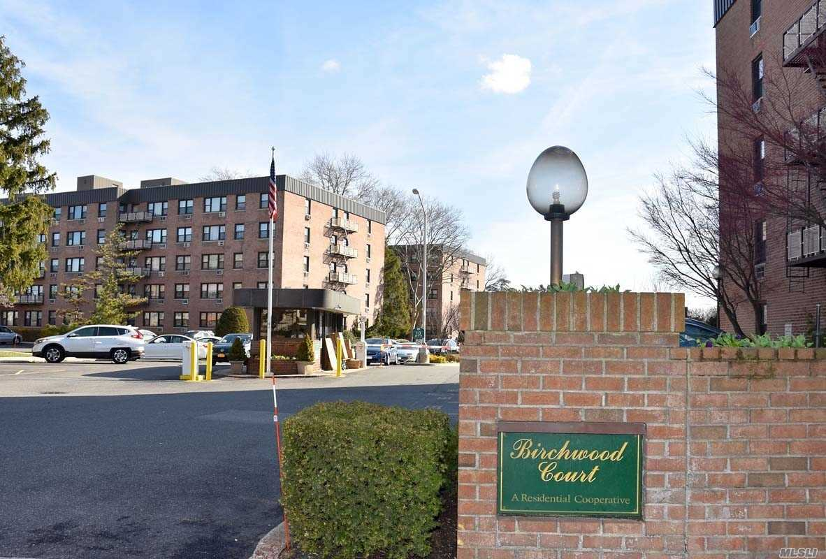 Beautiful large 1 Bedroom Apartment with updated Kitchen and Bath and hardwood floors. Plenty of closet space and storage.  Unit comes with parking space close to building. 24 hr gated community. Recently renovated laundry room. Very close to LIRR- Mineola station. Restaurants and shopping nearby.