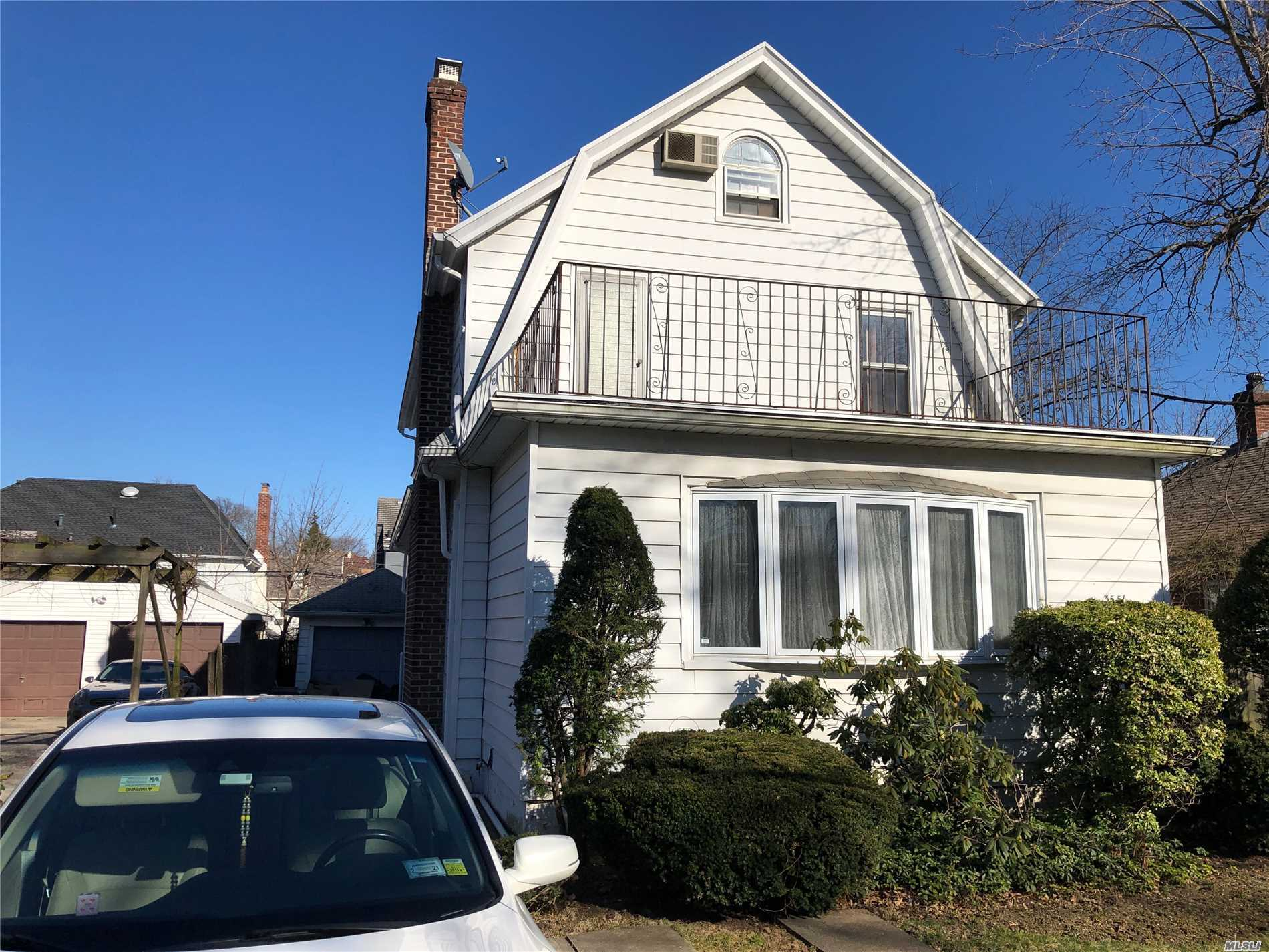Excellent Condition, 4 Minutes To Long Island Train, Near Northern Blvd, Convenient To All.big lot 6000can build up to 3900sqft house. Great School (P.S.32&1.S.25) Express Bus To Manhattan& Local Bus Q28 To Main Street.1 car Garage &pvt driveway. Laundry Room And Boiler Room In The Basement.