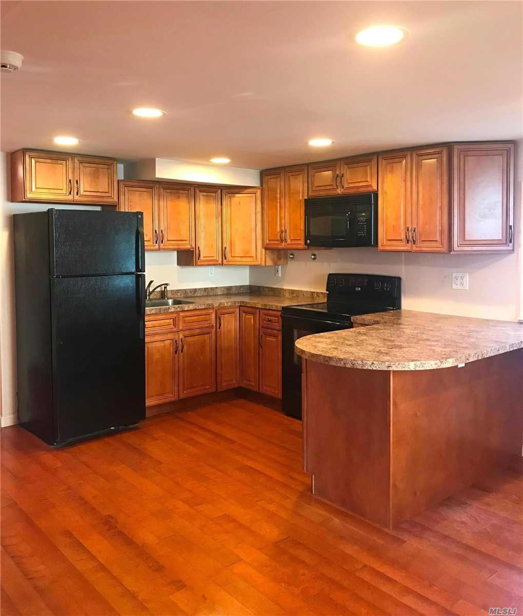 Immaculate 3 room apartment with all utilities included...even cable. Great location, beautiful neighborhood. Close to all!