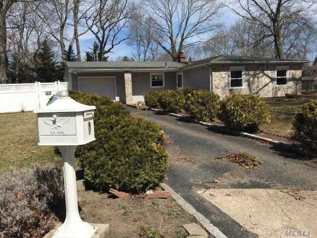 Ranch Style Home. This Home Features 3 Bedrooms, 1.5 Baths, Formal Dining Room, Eat In Kitchen & 1 Car Garage. Centrally Located To All. Don't Miss This Opportunity!