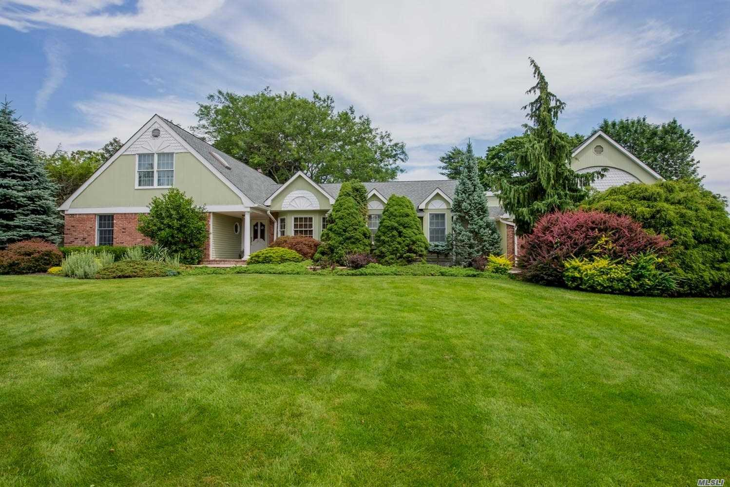 Fantastic Sprawling 5 Bdrm, 5 Bath Farm Ranch W/ Assoc. Docking & Tennis. Features Include: Additional Mother-In-Law Suite (MBR, Full Bath, Side Entrance), Finished Basement, 3 Car Garage W Steel Beam Support, IG Pool, on lush .85 Acres.