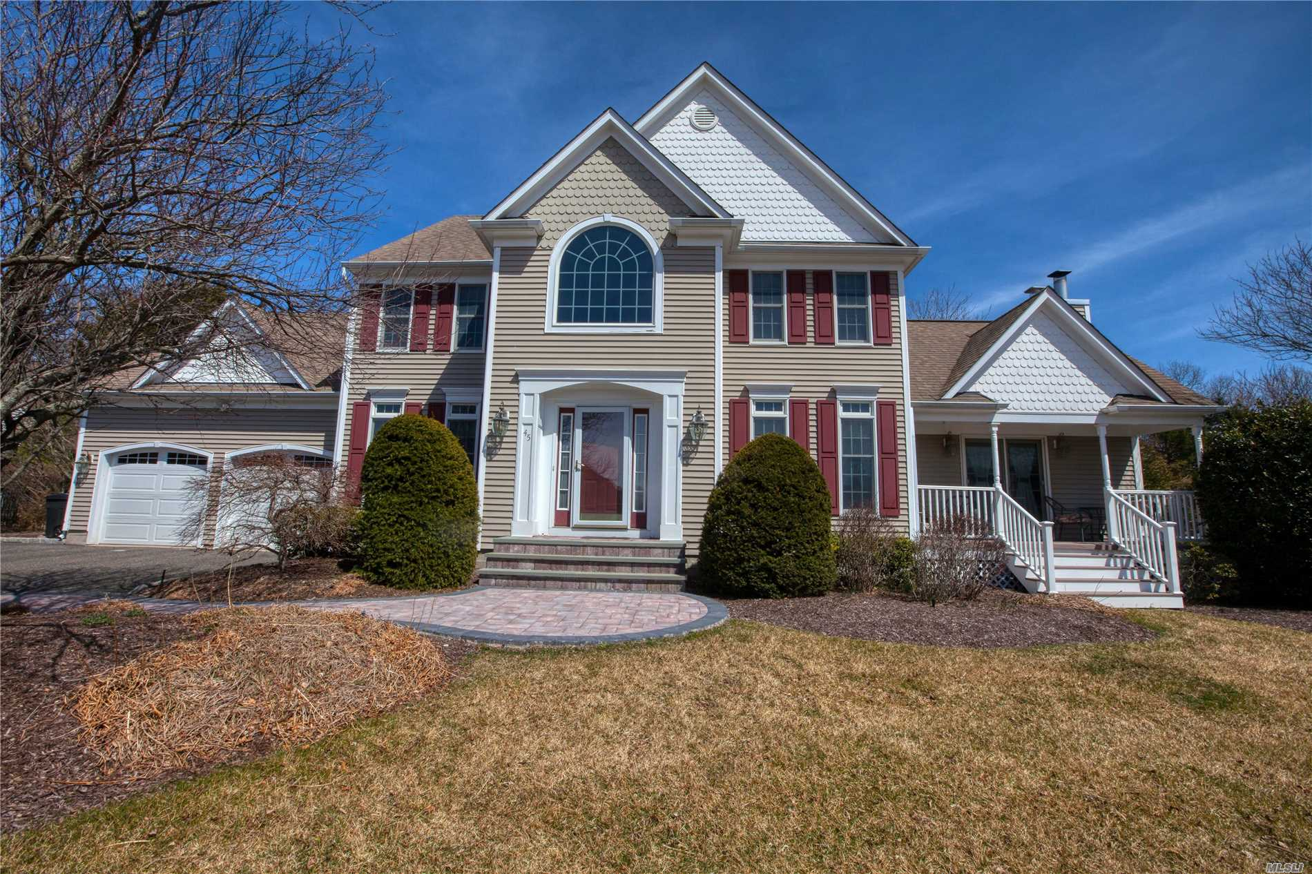 Beautiful custom Bill Hynes 4 br/ 3.5 bath Colonial on great family friendly area. Home has so much to offer inc 2 car gar, W/D on mail level, den w hi ceilings/skylites, fpl and entry to priv porch. EIK with quartz ctps and island, double ovens, Mstr bath/Jac w double sinks and hi ceilings. Anderson wndws,  Newer furnace, cesspools, chimney, CAC, & gar drs, State of the art ffbsmt playrm, 1/2 bath, with granite bar. salt water pool with newer lining, looplock, and waterfall. Call today!