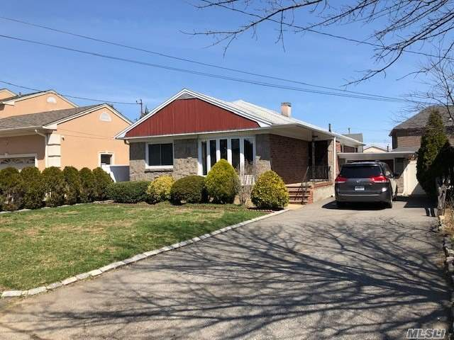 Beautiful Brick Ranch For Sale In Whitestone Woods. Featuring Living Room, Dining Room, Eat In Kitchen With Separate Entrance, 3 Spacious Bedrooms, 2.5 Baths, Cac. Fully Finished Basement With Wood Burning Stove And Separate Entrance.Driveway For 6 Cars. 50X100 Lot. Near Private Beach. A Must See!!