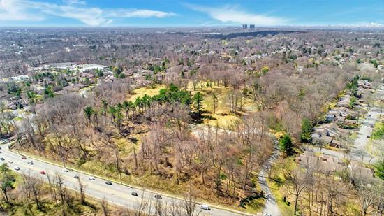 An unparalleled opportunity to develop the Gold Coast of Long Island's most exclusive gated community. The site has been carefully assembled to host 46 single family residences on property's ranging from approximately .5 acre parcels - approximately 1-acre parcels, many of which will feature their own private swimming pools.