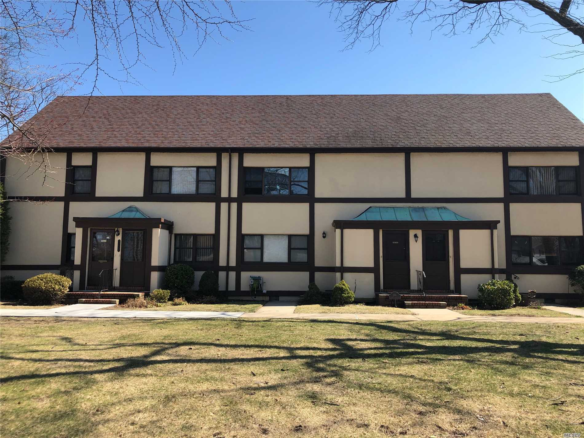 Great Opportunity to Own Sunny 1 Bedroom Upper Unit CO-OP With All the Garden City Ammenities! Convenient Location Near to LIRR, Shopping.