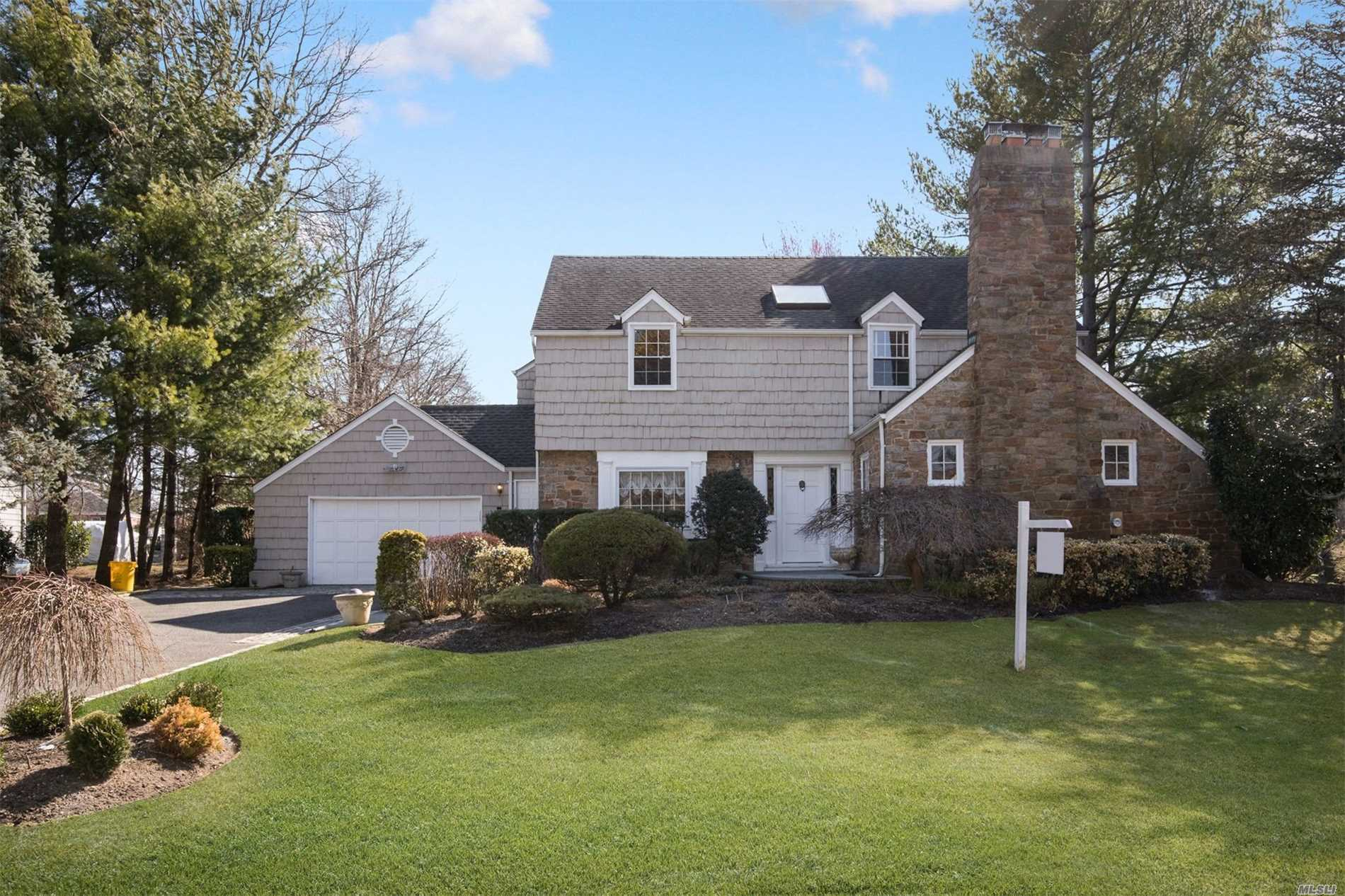 4000 SQUARE FT COLONIAL NESTLED ON .61 PARK LIKE ACRES IN SCHOOL DISTRICT 14. BOASTS A FORMAL LIVING ROOM WITH FPL, FORMAL DINING ROOM, OVERSIZED OPEN LAYOUT KITCHEN WITH BREAKFAST AREA AND OVERSIZED FAMILY ROOM. FULL FINISHED BASEMENT 5 BEDROOMS, 3.5 BATHS EN-SUITE MASTER ALL SYSYTEMS!!