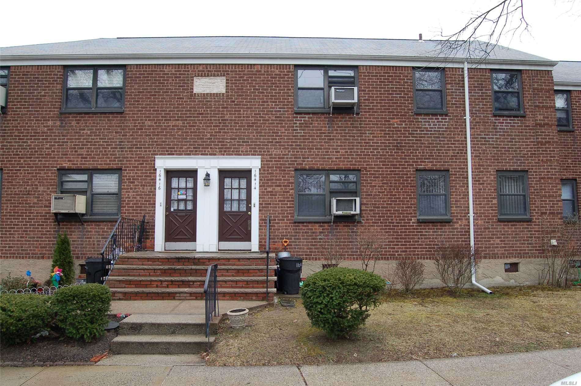 Moved in condition 2br located on the first floor.