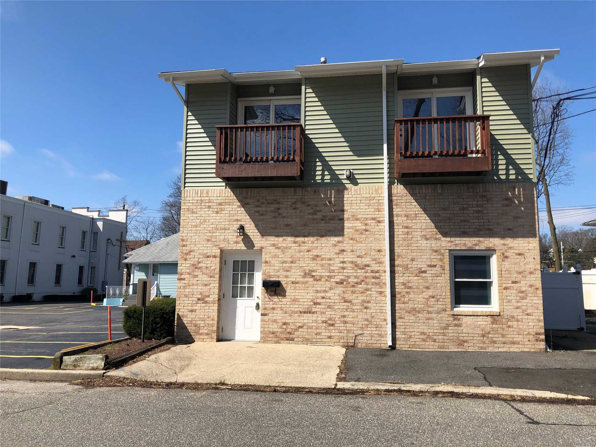 Move right in to this completely renovated 3 bedroom Colonial in the heart of Farmingdale Village. Large bedrooms, all with balcony. Master bedroom w/ walk-in closet & full bath w/ spa tub. Large driveway. Washer & Dryer Included & on a dead-end block.