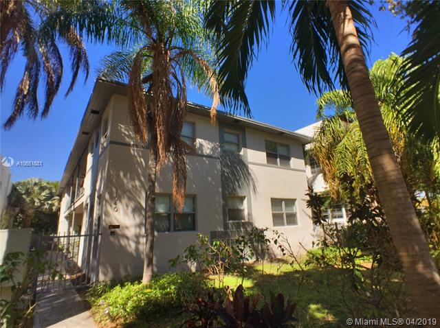 1/1 Art Deco Gem Next To Flamingo Park! This Unit Features Wood And Slate Floors, A Separate Dining Room, Brand New Kitchen Cabinets And Impact Windows. The Building Has Onsite Laundry And Is Located Next To Flamingo Park'S Main Entrance And Walking Distance To The Beach, Shopping And Dining. 1 Pet 35 Lbs Or Less Is Ok.