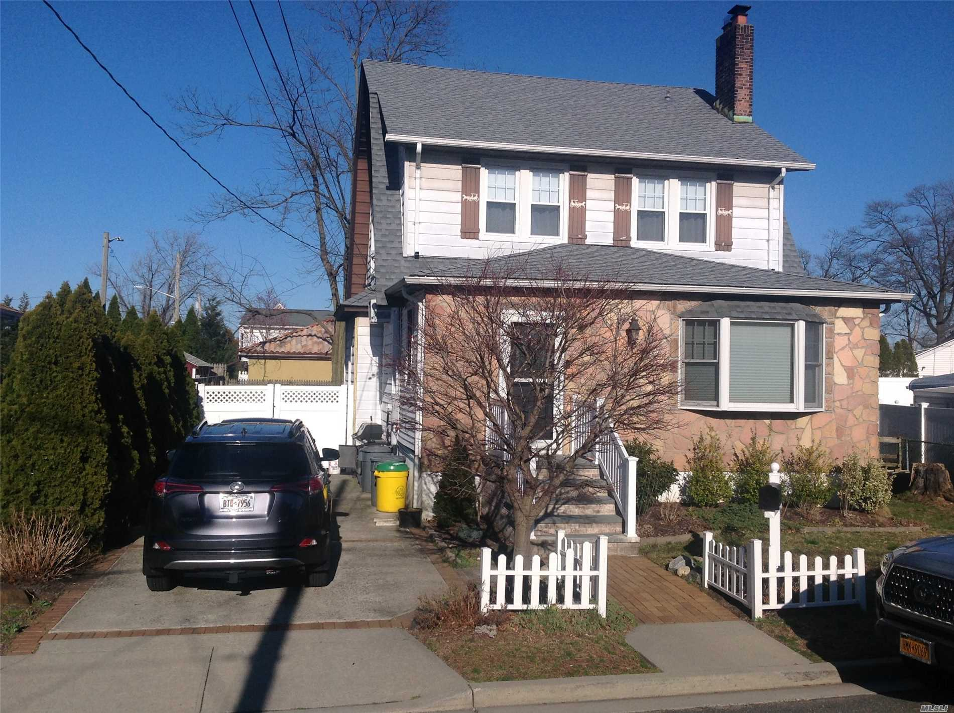 Charming Colonial in prime location with easy walk to houses of worship. New roof. Potential galore! Call to see this home today!