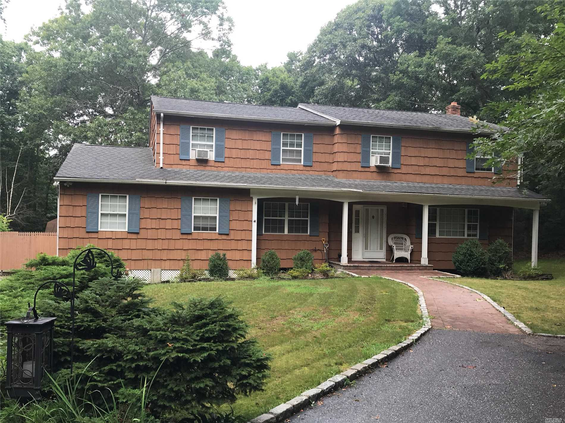 Large Colonial in a Culdesac Setting, Paver Stone Walkway, 4 Bedrooms, 3 Bathrooms, Full Basement.