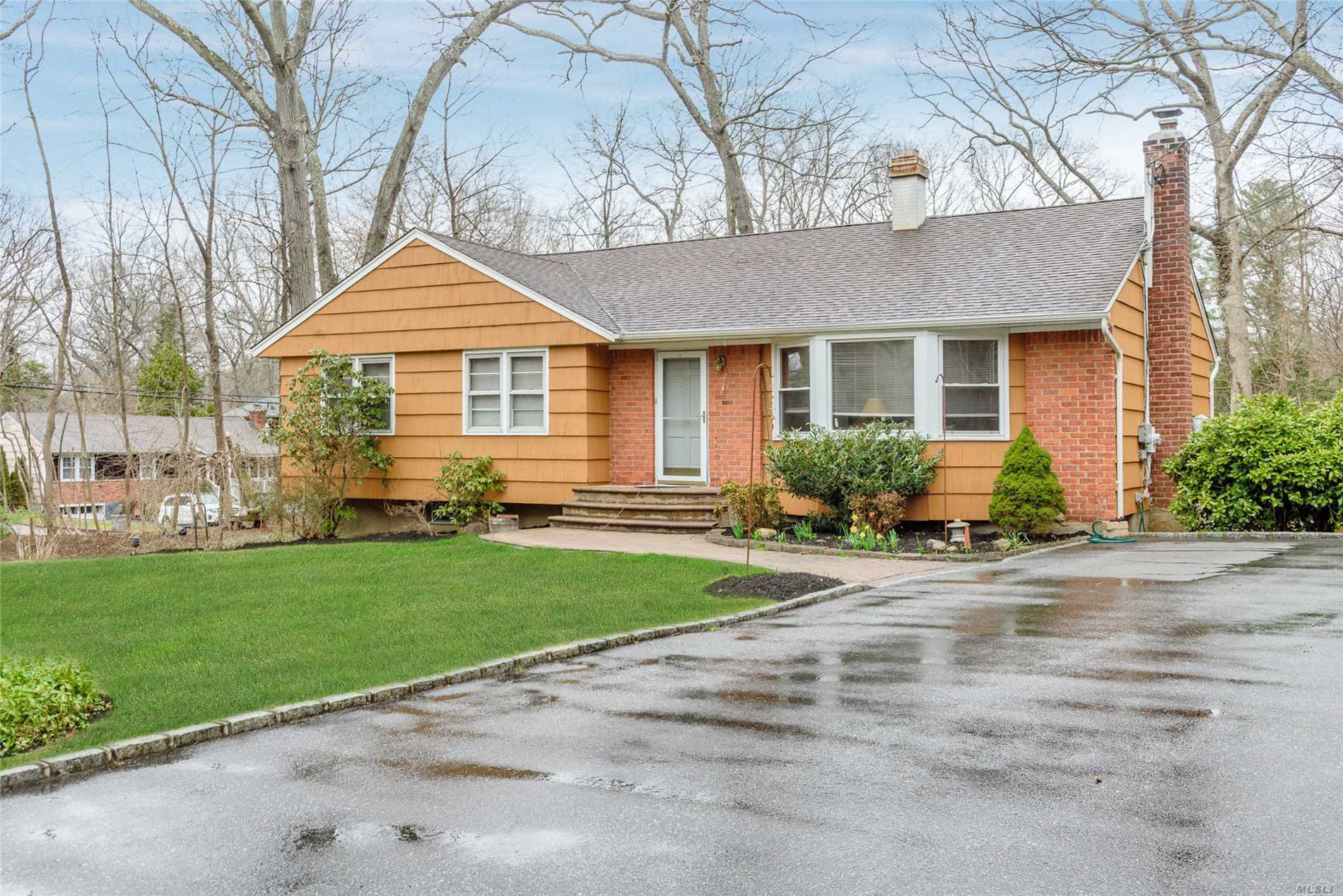 Beautiful Ranch In Audubon Woods. Updated Kitchen With Three Bedrooms, Three Full Baths On 1.06 Acres, Must See.