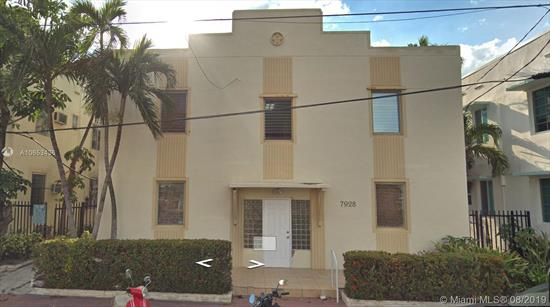 One Bedroom One Bath Miami Beach Condo Just One Block From The Beach And Recreational Park. Low Maintenance Fee.