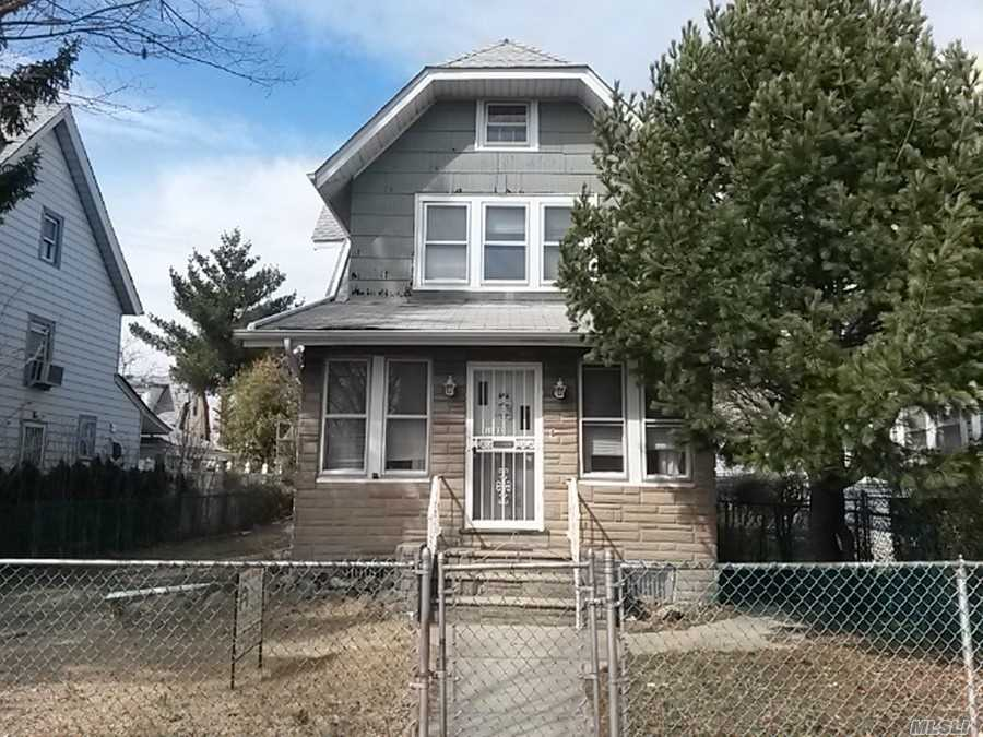 Buyer pays transfer tax. Great 1 family colonial house featuring large living room for entertainment, formal dining room, EIIK, 1.5 full bathroom, large lot, 2 car detach garage. Lots of potential!! Once in a lifetime opportunity.
