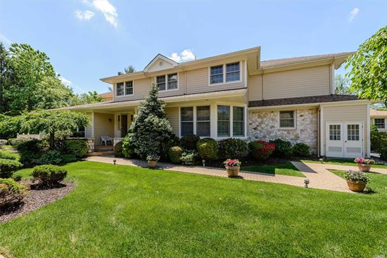BEST PRICED WHITNEY IN THE LINKS - TAXES SUCCESSFULLY REDUCED AND FURTHER REDUCTION IN JAN 2020 - Perfect Location - Trad Center Hall Colonial W/Private Deep Backyard & Generous Front Expanse. Walk To Clubhouse W/All Amenities (Indoor/Outdoor Pool, Gym, Card Rms) Newly Finished Hardwd Floors, Country EIK w/new appliances, Lg Mastr Suite W/Spa Bath. Dramatically High Entrance Foyer. Herricks Sd,  Free Shuttle To NYC - Only 25 Mins!