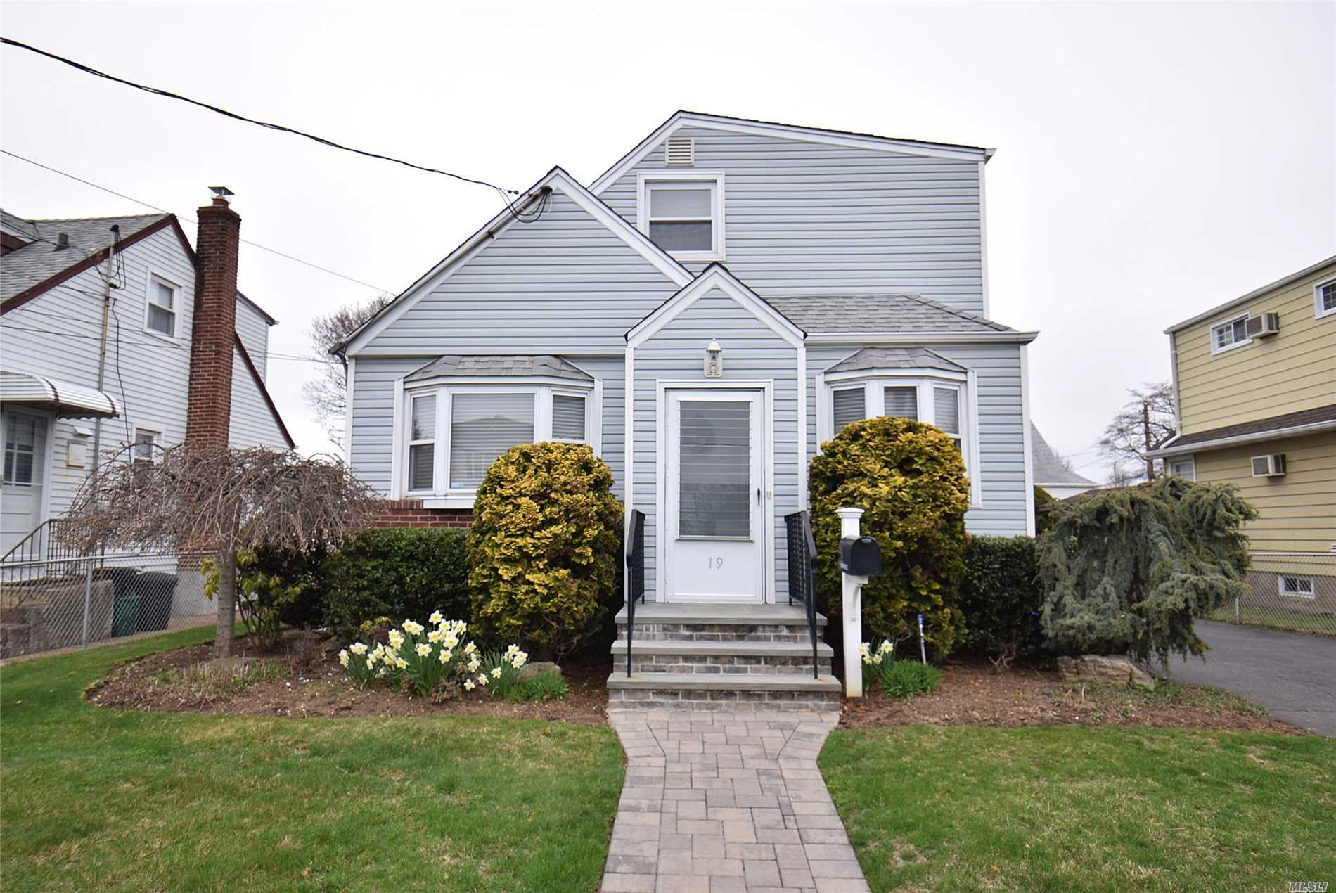 Lovely 4BR Cape, Living Rm, Dining Area, Kitchen, 2Full bths, Full partially finished basement. Great Location, walk to Greiss Park & LIRR.