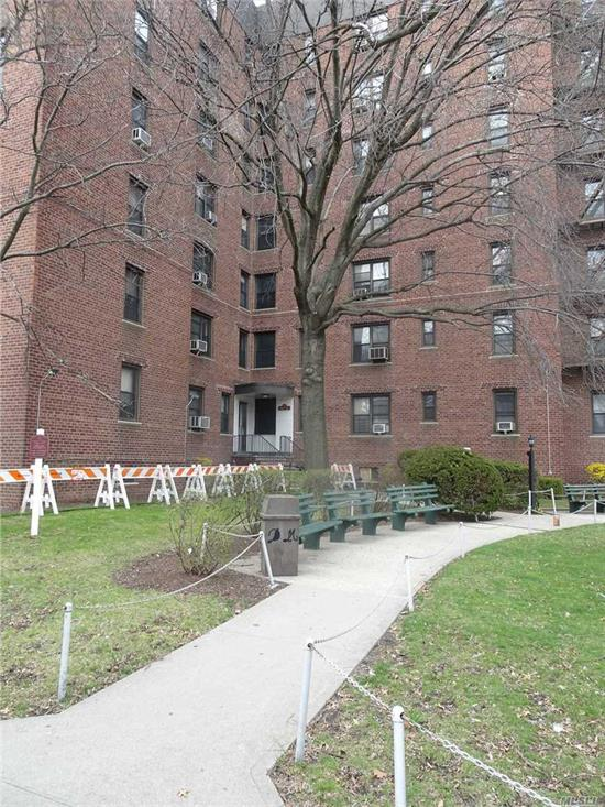 Bright and sunny one bedroom cooperative apartment on the 3rd floor. Wood floors throughout. Near public transportation, Citifields, park, Parkway, LaGuardia Airport, 7 train etc.