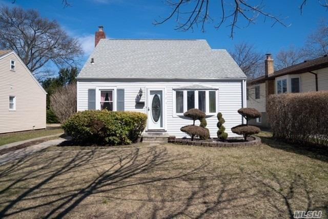 Well Maintained beautiful 3 Bedroom Cape SD#14/Hardwood Floors/New Stainless steel appliances/Large Dining area/Large Pantry's/Large Living room/Updated Bathroom/2 Bedrooms on 2nd FL/1 BR on 1st/area- Nice size deck and backyard, Close to LIRR, Shopping and Schools/Tax grievance approved 8% reduction