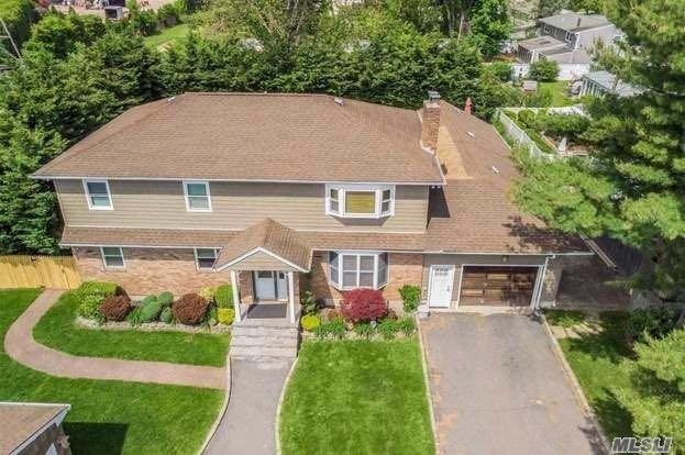 Beautiful, Well Maintained Home, With 3 Bedrooms 2 Bathrooms With Amazing School District. washer and dryer in the basement, pool in the backyard. This Apartment Is Located In A Legal 2 Family House, On The End Of A Cul De Sac! Must see...