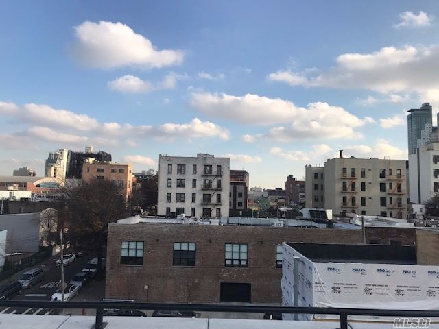NEW LUXURY 1BR APARTMENTS. MODERN FINISHES. WOOD LOOK TILE FLOORS. GRANITE COUNTER TOPS, SS APPLIANCES, WINE CHILLER, WASHER AND DRY IN EVERY UNIT. AC/HEAT SPLIT UNITS IN EVERY ROOM. SOME UNITS HAVE BALCONIES OR PATIOS. ROOF TOP COMMON AREA.......JUNE 1 MOVE IN