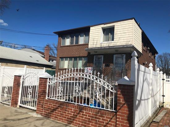 Beautiful Detached 2 Family Located In Convenient Location. Each Floor Has 3 Bedroom 2 Bathroom And Large Living Room. Finished Basement With Separate Entrance. 3 Minutes Walk To Good Fortune Supermarket, Bus Q 20 A/B, Q44-Sbs To Flushing And Closed To Major Highways. Must To See!