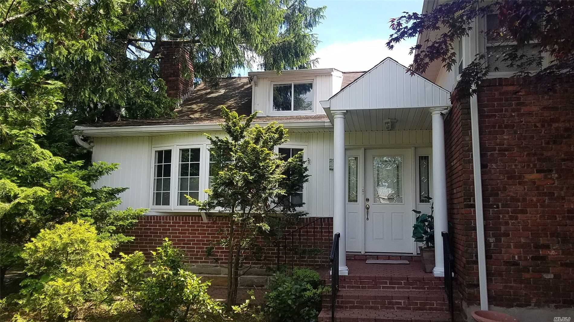 large split level W/CAC on an oversized property with plenty of privacy. Double sized living rm w/ marble fireplace. Plush carpeting throughout & oak floors underneath. Formal dining room, eat in kitchen with granite floors. Large master suite with fullbth w/ jacuzzi tub. Three more bedrooms and full bath.Den with full bath. Partially finished basement. 2car attached garage W/3 car driveway. 200amp elc , cameras around can see house from any where around the world with a nice. low taxes.
