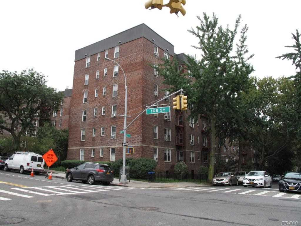 Lovely 1 Bedroom Apartment for Rent In Forest Hills. Features Living Room/ Dining Room, Kitchen w/ Dishwasher and 1 Full Bathroom. Heat and Water Is Included. Tenant Is Responsible for Gas+ Electric Utilities. Pet Friendly Building. Access To Washer/Dryer Available. Close To Shops and Public Transportation. Must See!!!