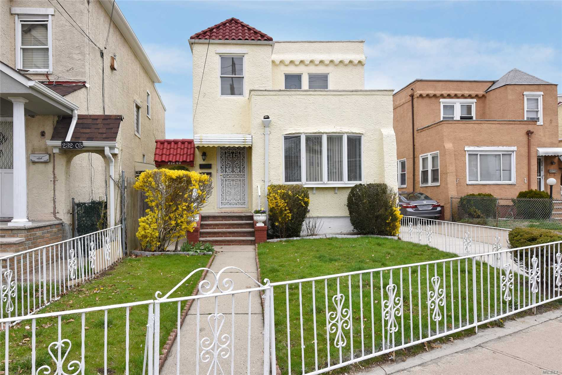 Spacious detached 2 story home in Laurelton. Sunny and spacious bedrooms with plenty of storage. It has a fully finished basement with a side entance. This property features a large front and backyard with driveway and garage.