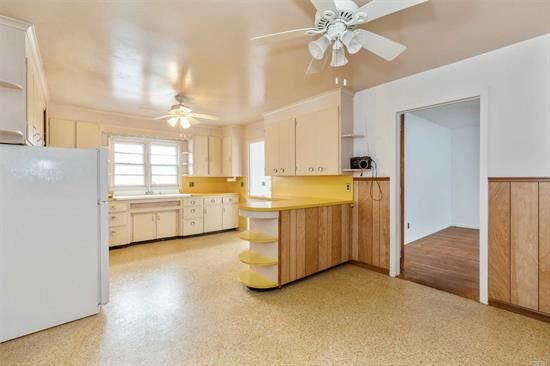 Come view this honest and original 1950s ranch with gigantic country kitchen surrounded by 4+ acres of farmland (also available for purchase, see MLS 3119637). Quality period details include clear-grain oak floors, arched doorways, SunRad convectors, built-in ironing-board cabinet.