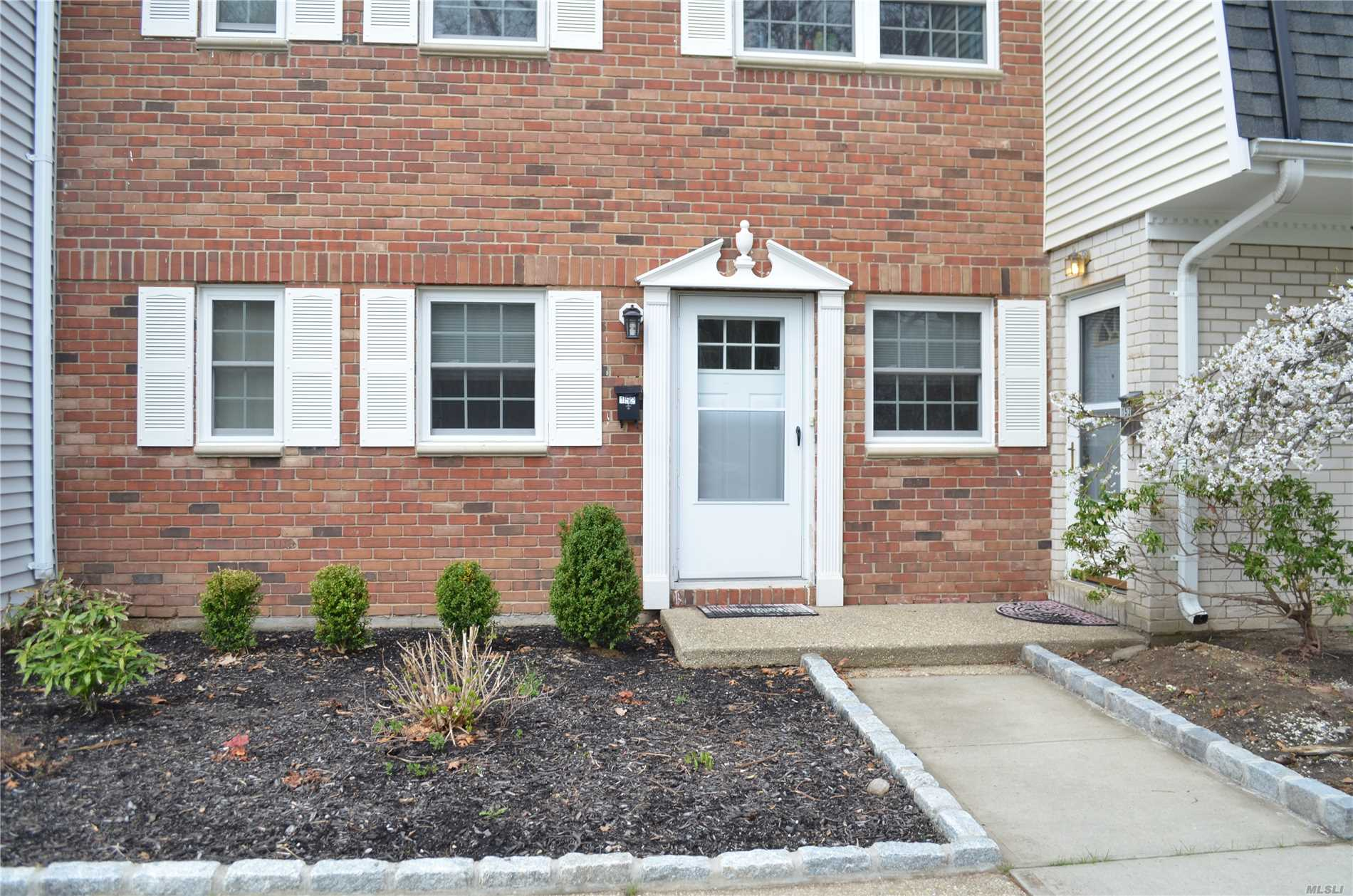 Mint 1 Bedroom, Full Bath in Spring Meadows Features Updated Kitchen with Stainless Steel Appliances & Granite Counters, Newer Washer & Dryer, 4 Year Young Floors, Slider To Rear, Community In-Ground Pool, Tennis Court & Playground. Monthly Common Charges: $832.19.