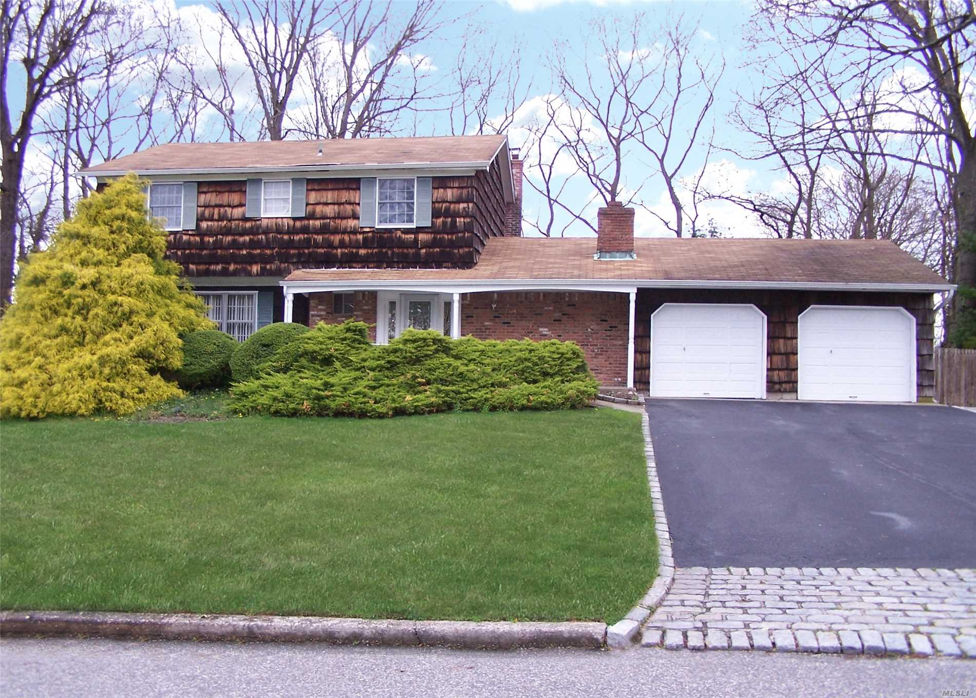 clean and well maintained tides colonial in prime location. home has central air/updayed oil burner/fireplace/wood floors throughout both levels/2 car garage/full basement/l shaped pool with paver surround/anderson windows/and much more. great price and opportunity to own a home is the tides community