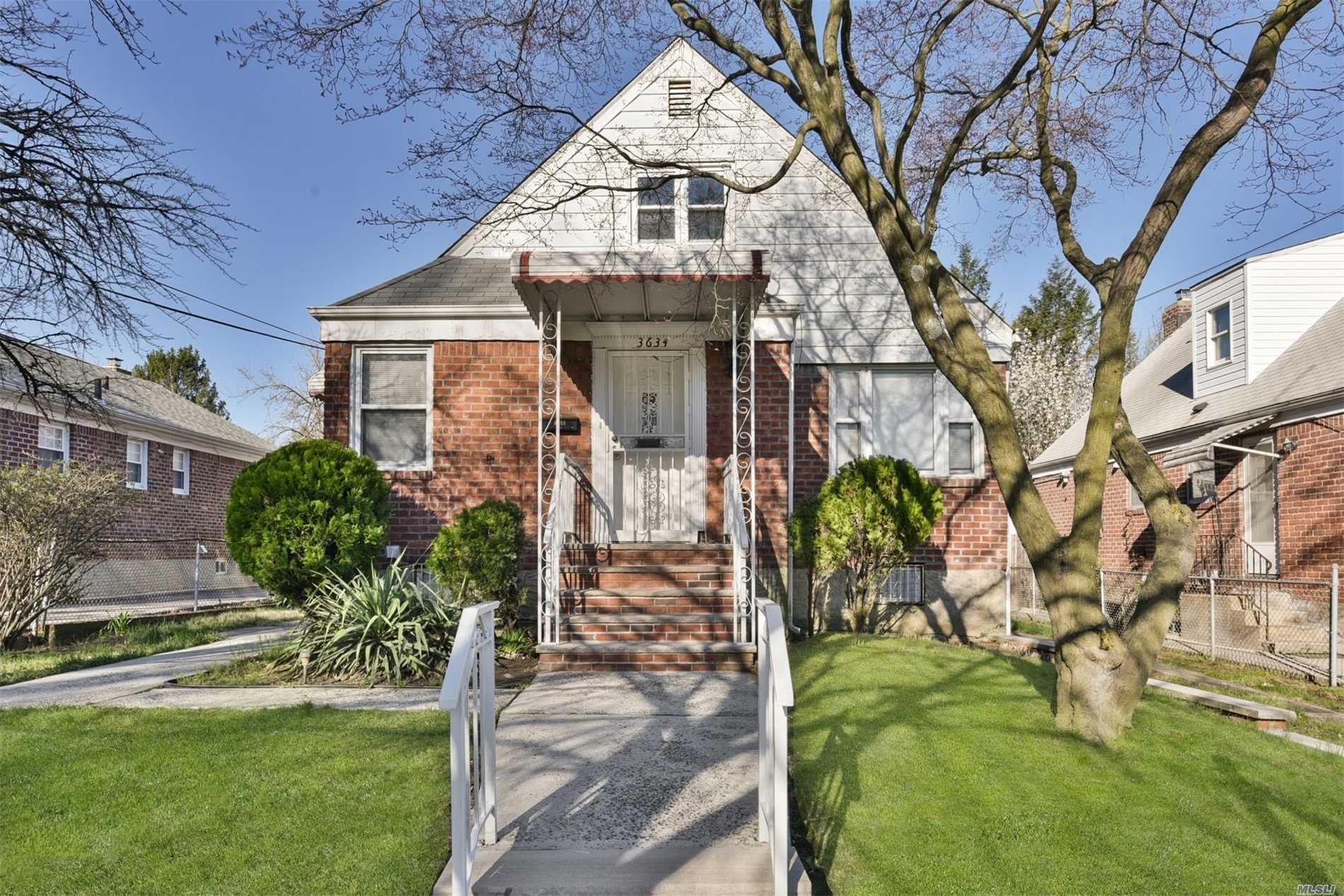 4Br, 3 full bath cape in desirable SD #26. Home features newly refinished HW floors, Full Finished basement with bathroom and separate entrance. Close to all.