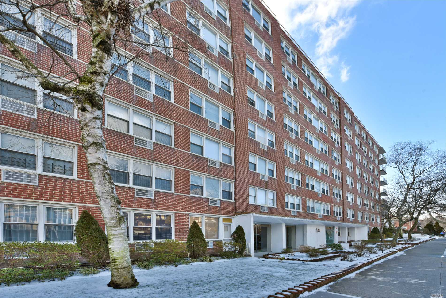 Top Floor Views In This Updated Studio Apartment In The Prestigious Jamaica Estates Building, The Coronet. The Building Features On-Site Parking, A Doorman, A Full Time Super, And Is Conveniently Located On A Quiet Residential Block, Just Minutes Away From Town, Shopping, Buses, And A Few Blocks Away From The 179St Subway Station.