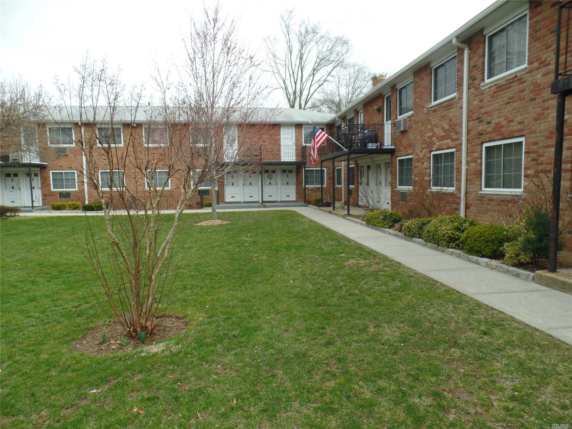 LOCATION!! Large 1 bedroom located in HHH school District. Open Floor Plan; Lots closet; private entrance . Beautifully landscaped grounds in lovely community with picnic/grill area; Maint includes heating, taxes, gas cooking, parking;  Star not reflected in Maint; Walkable to LIRR, Bethpage State Park & trails and Farmingdale Village