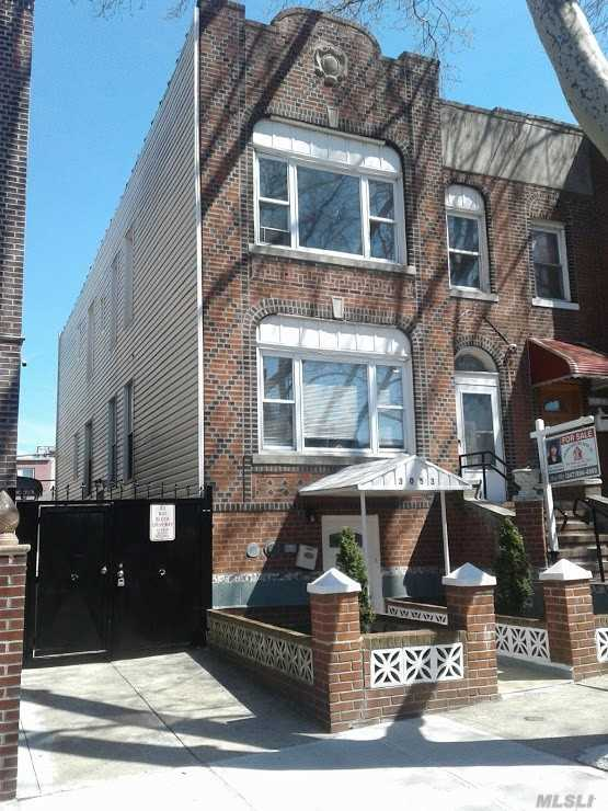 LEGAL 3 FAMILY BRICK (23X100) SEMI-DET) 4 BRS + 3 BRS + 2 BRS + 2 CAR GARAGE  GREAT INVESTMENT- (Estimated at $8, 000 Per Month Income)