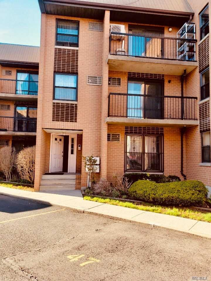Beautiful And Spacious 3 Bedroom Condo In Gated Community, Lr W/Balcony, Mbr W/Balcony, Hardwood Floors, One(1) Private Parking Space, Storage Room In Basement,  Near Public Transportation.
