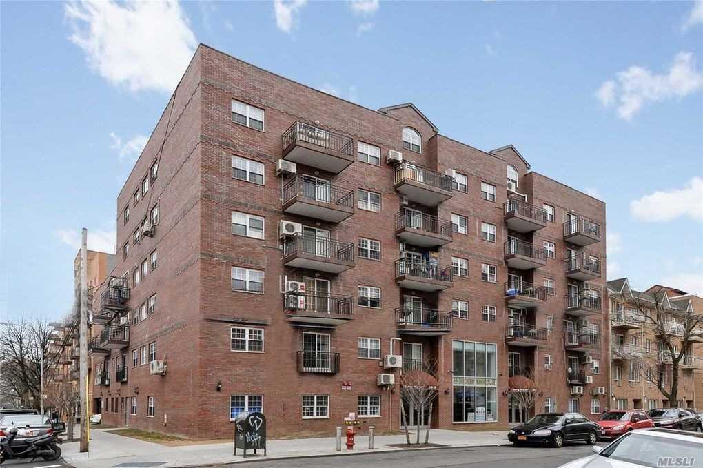 Beautiful 2 bedrooms Condo apartment in prime location, Flushing. Excellent condition w/ great sunlight. Steps to stores, restaurant, and all transportation. 10 more years Tax Abatement, low Common Charge, large balcony, parking space for extra cost.